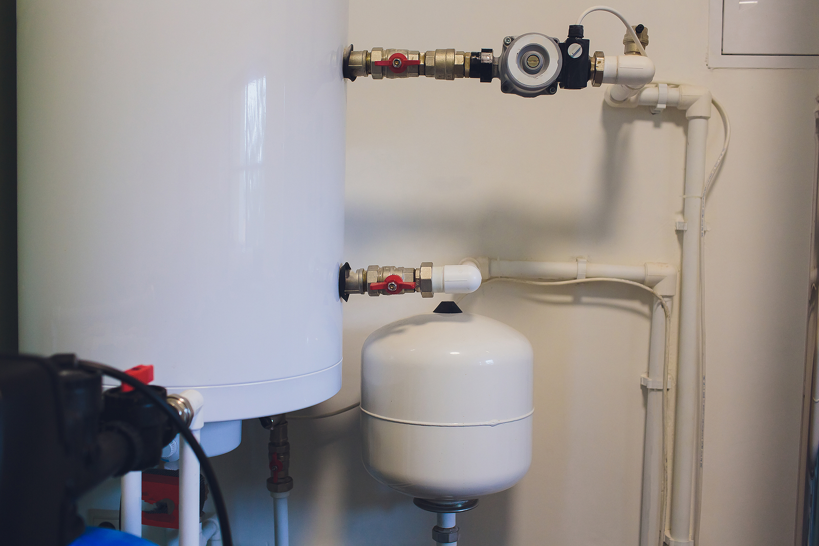 Hot water cylinder system.